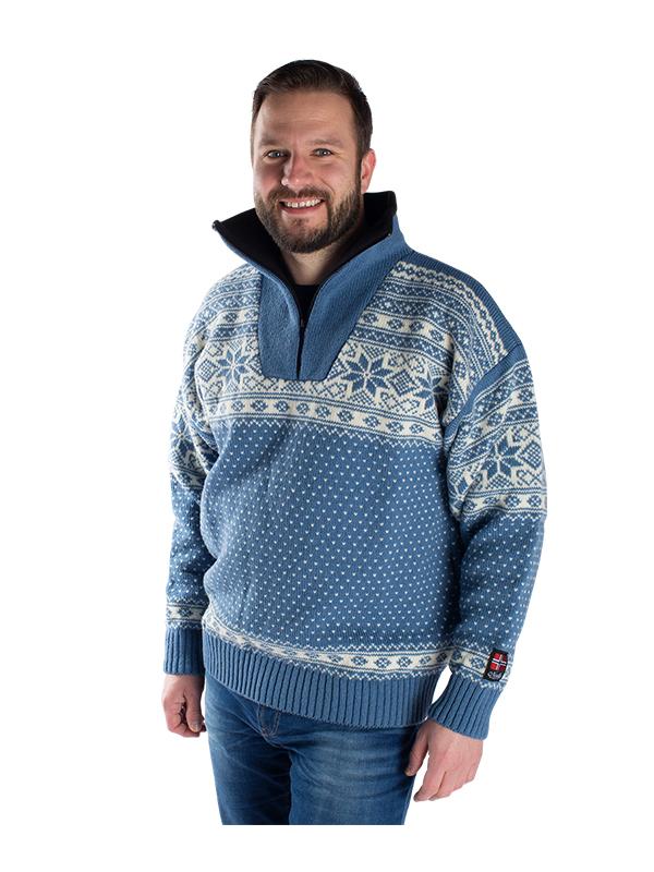 """Nordlys """"Mønstret"""" blå strikket genser for dame og herre."""