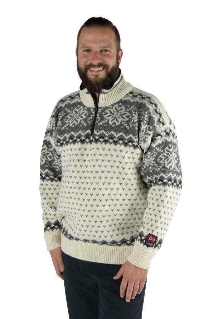 """Nordlys """"Turist"""" hvit strikket genser for dame og herre."""