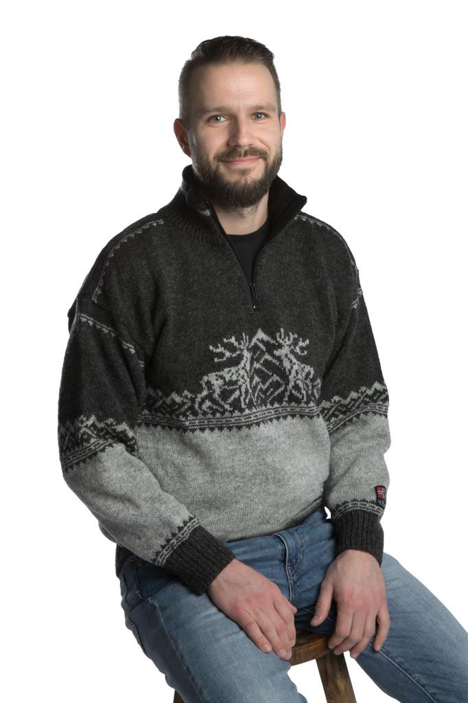 "Nordlys ""Femund"" sort og grå strikket genser for dame og herre."
