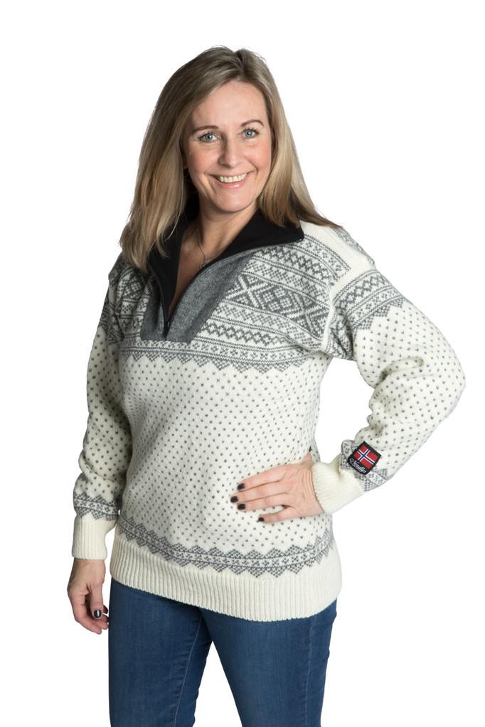 """Nordlys """"Setesdal"""" elegant hvit og grå strikket genser Setesdal for dame og herre."""