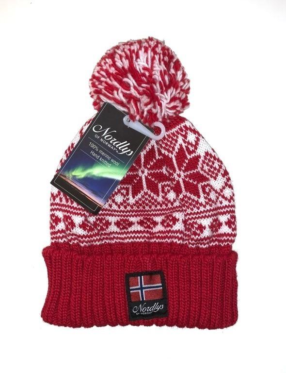 "Nordlys ""Mønstret"" strikket topplue - rød."