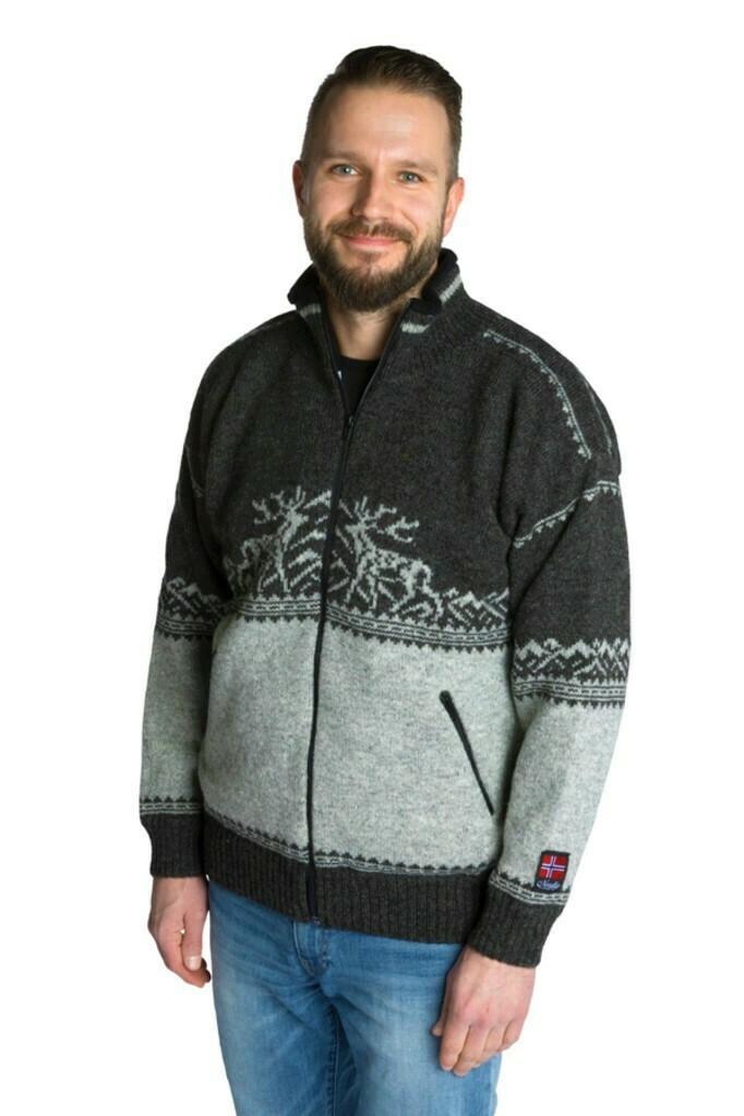 """Nordlys """"Femund"""" koks og grå strikket jakke med glidelås for dame og herre, vindtett."""