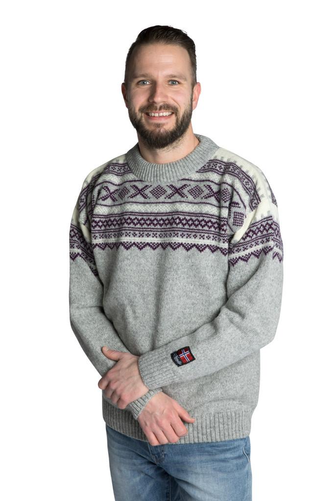 "Nordlys ""Elegant"" grå strikket genser for dame og herre."