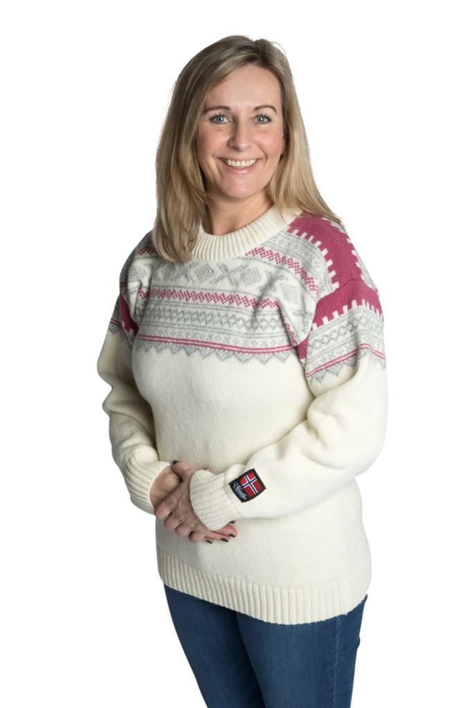"""Nordlys """"Elegant"""" hvit strikket genser for dame og herre."""
