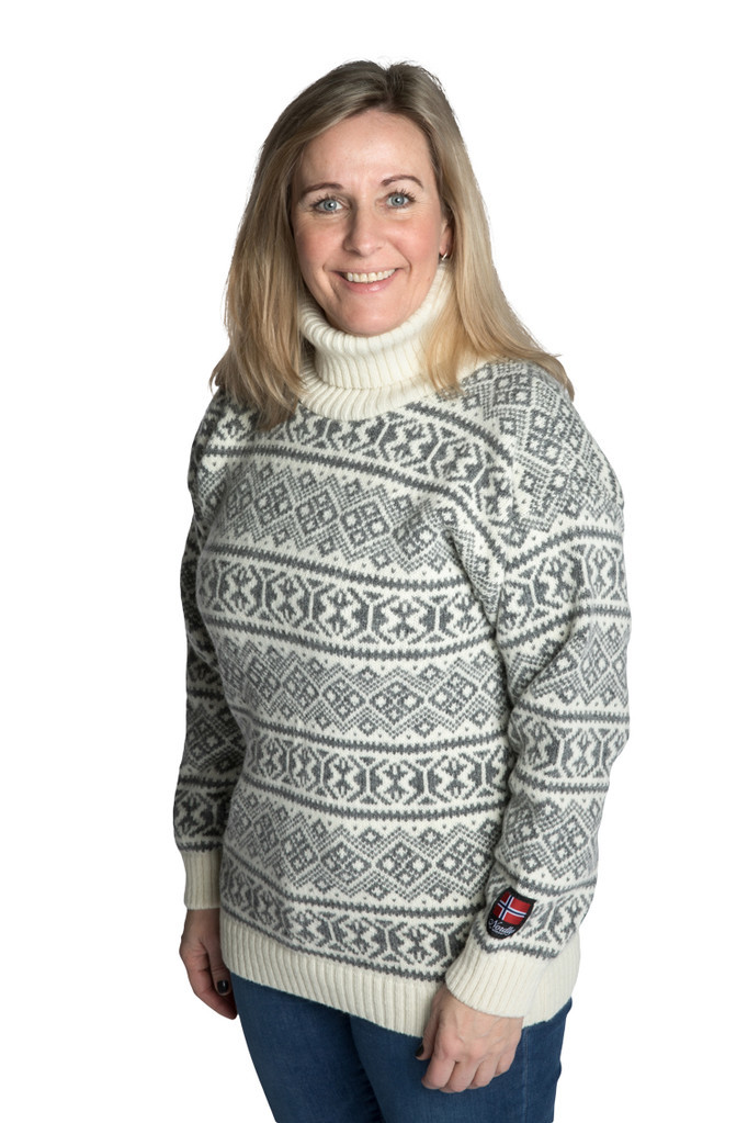 """Nordlys """"Polar"""" grå og hvit strikket genser for dame og herre, med høy hals."""