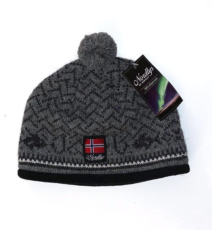 "Nordlys ""Kyst"", strikket ull lue med dusk, sort."