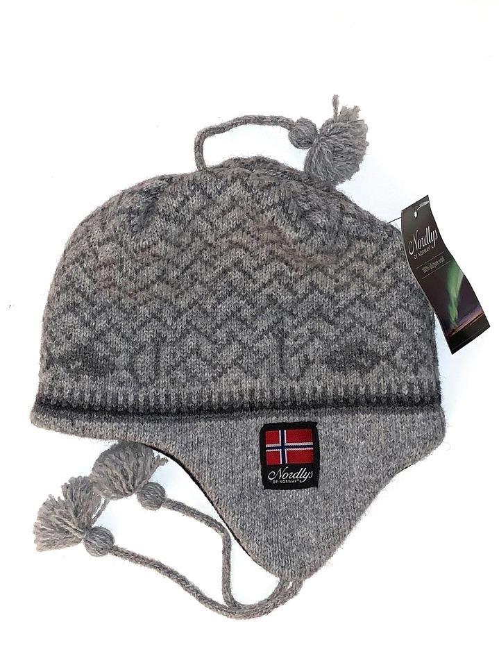"Nordlys ""Kyst"", strikket ull lue med snor, grå."