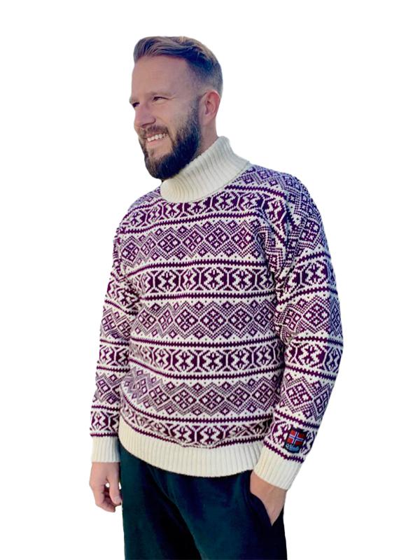 Nordlys «Polar» lilla og hvit strikket genser for dame og herre, med høy hals.